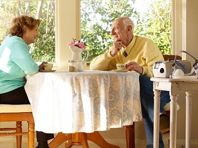 ResMed-COPD-patient-ventilation-noninvasive-home-400x300