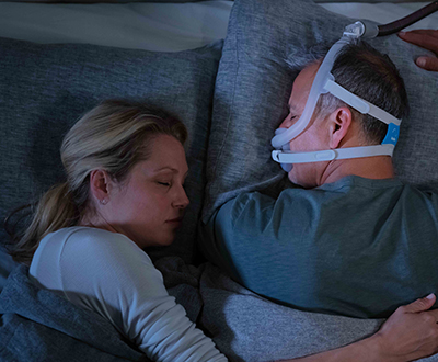 full-face-CPAP-mask-belly-active-sleeper-ResMed-AirFit-F30i-400x380