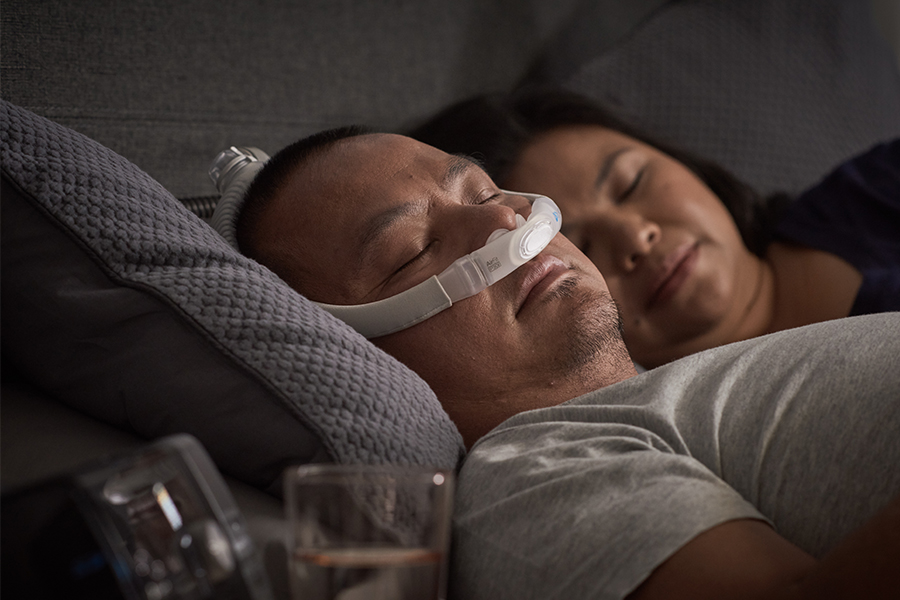 nasal-pillows-mask-sleep-any-position-ResMed-AirFit-P30i